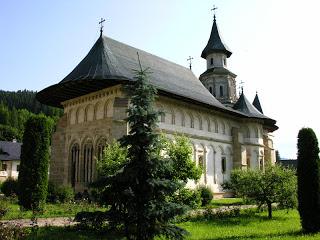 La Mânăstirea Putna…!