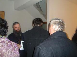 """Lansarea volumului """"Întoarcerea în Lumină"""" a fratelui Gheorghe Cobzaru – Mânăstirea Nicula-26.12.2010"""