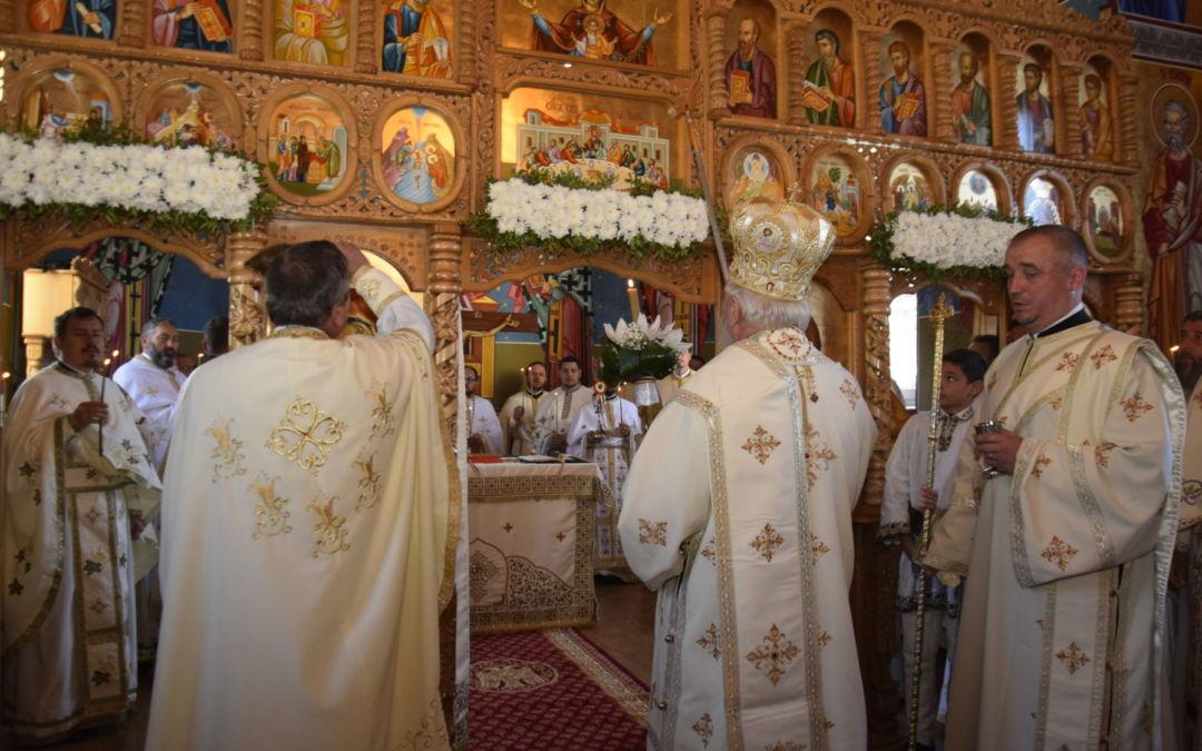 """Resfintirea Bisericii """"Sfintii Arhangheli Mihail si Gavriil"""", Parhohia Viile Tecii, Bistrita-Nasaud"""