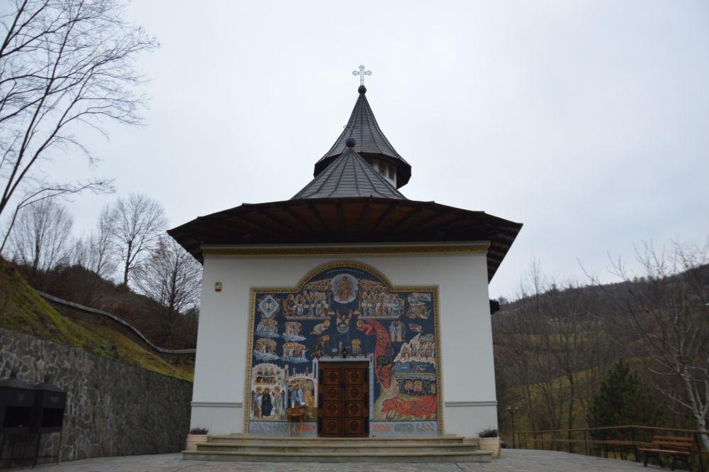 Sfanta Liturghie si Parastas, Duminica dinaintea Nasterii Domnului, Manastirea Cormaia, Bistrita-Nasaud