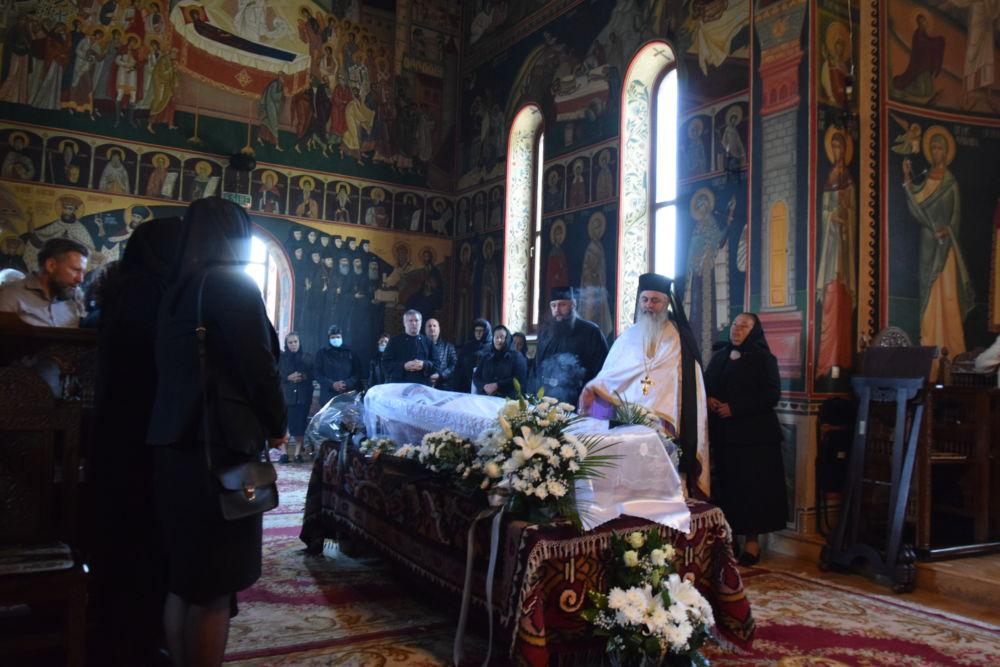 Inmormantarea Monahiei Tomaida Bruma, Manastirea Stramba, Bistrita Nasaud