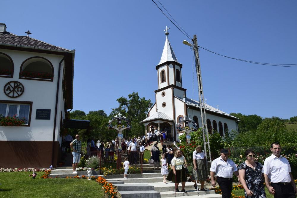 Dumnezeiasca Liturghie, Parohia Samboieni, Cluj