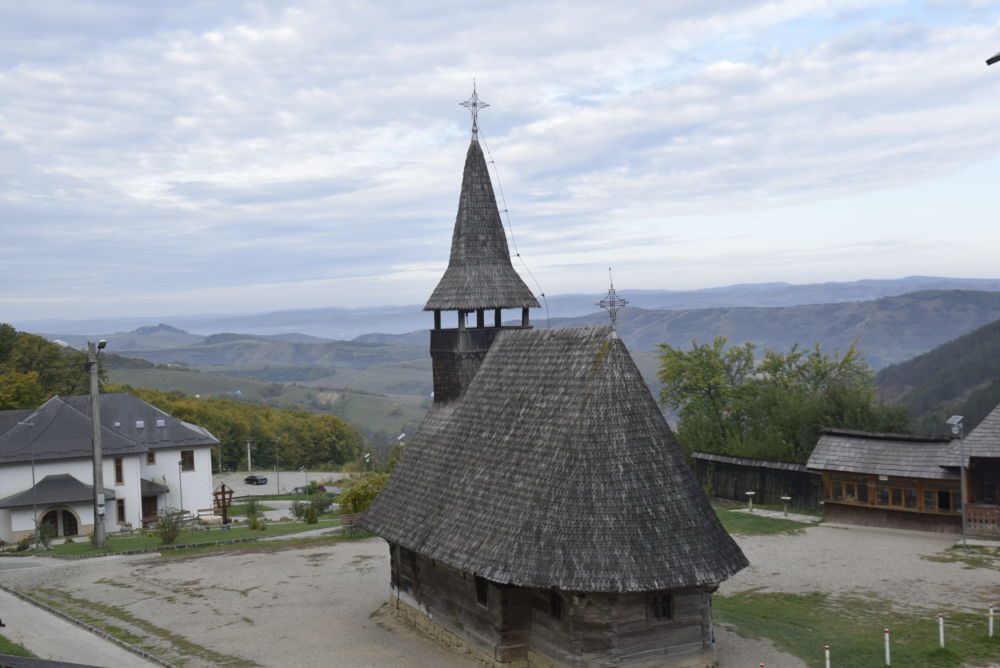 Duminica a 20-a dupa Rusalii, Parastas pentru doi stareti ai Manastirii Nicula, Cluj